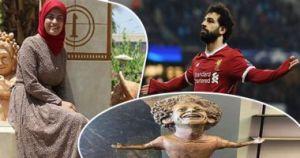 محمد صلاح يهاتف الفنانة التى نحتت تمثال له… صورة