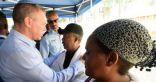 زيارة وزير داخلية إسرائيل عائلة الشاب الأثيوبى المقتول برصاص شرطى