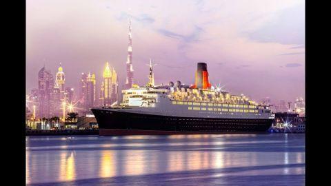"""بعد سفر لأكثر من 50 عاما الباخرة """"إليزابيث 2"""" فندق عائم فى دبى"""