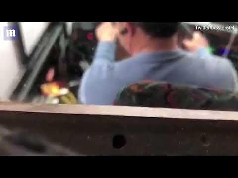 بالفيديو سائق أتوبيس سياحى يشاهد التلفاز أثناء القيادة فى نيويورك