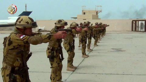 بالفيديو شاهد القوات المصرية فى تدريبات خالد بن الوليد فى البحرين