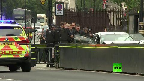 شاهد لحظة القبض على منفذ حادث الدهس قرب البرلمان البريطاني