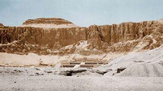 العثور على بقايا معبد فرعونى فى محافظة كفر الشيخ المصرية
