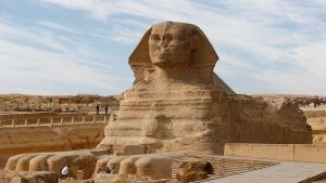 بالصور إكتشاف تمثال لأبو الهول من الحجر الرملى فى كوم إمبو بأسوان فى مصر