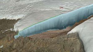 العثور على حفرة ضحمة تبلغ 5 أضعاف حجم باريس فى جرينلاند  سببها إصطدام نيزك