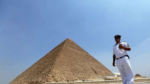 المدير العام لمنطقة آثار الهرم ينفى واقعة الفيديو الإباحى