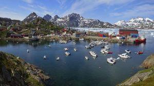 الإحتباس الحرارى يهدد جرينلاند