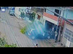 بالفيديو نجاة قائد دراجة نارية من حادث مروع