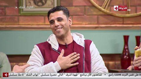 بالفيديو الفنان أشرف عبد الباقي يلتقي الشاب عبدالحميد الذي حول المناهج لأفلام كارتون