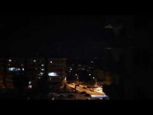 شاهد شبكة الدفاع الجوى السورية تتصدى لغارات سلاح الجو الإسرائيلى
