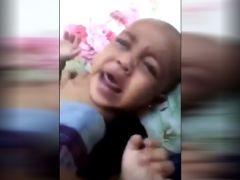 مقطع فيديو لأم تعذب ابنتها الرضيعة في السعودية والسلطات تتدخل