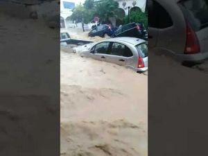 السيول تغطى منازل مدينة نابل التونسية… شاهد