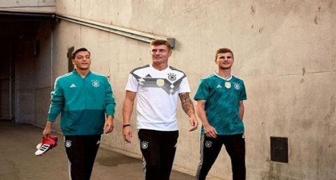 المنتخبات المشاركة بكأس العالم صيف 2018 تعرض قمصانها قبل بدء المباريات الدولية الودية