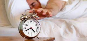 مجموعة من الطرق سهلة للاستيقاظ المبكر دون  الحاجة للإعتماد علي المنبه