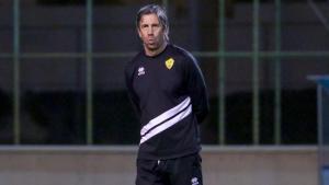 رسميا: إقالة البرتغالي باولو ألفيس من تدريب نادي احد
