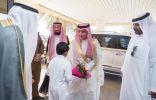 فراج بن سعود العماني يعايد المرضى في المستشفى المركزي