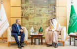 رئيس الهيئة العامة للسياحة والتراث الوطني يبحث سبل التعاون مع السفير الأذربيجاني