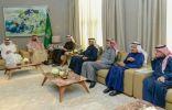 الأمير محمد بن عبدالعزيز يستعرض مع وزير النقل مشاريع الطرق وتطوير ميناء المنطقة