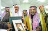 الأمير فيصل بن مشعل يزور جناح معهد الإدارة المشاركة في معرض الكتاب الثاني بالقصيم