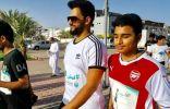 الأمير محمد بن عبدالعزيز يشارك في الحملة التوعوية للمشي